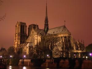 Notre-Dame-night