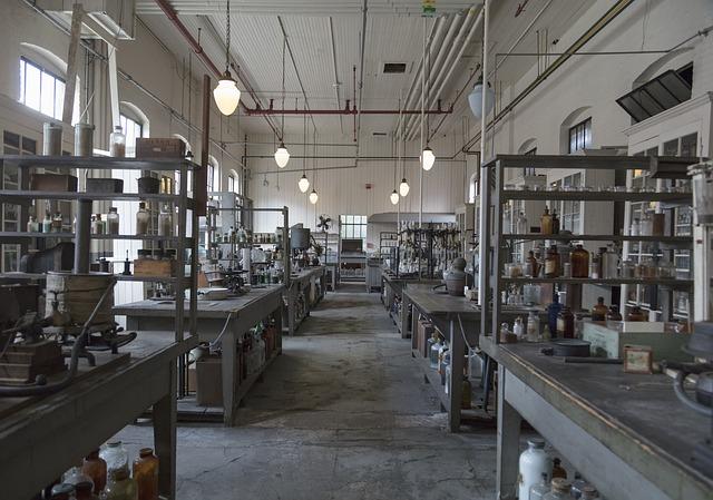 laboratory-3822462_640
